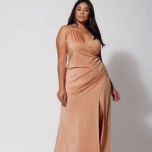 Dresses & Skirts - Those gold dress *fashion2figure*